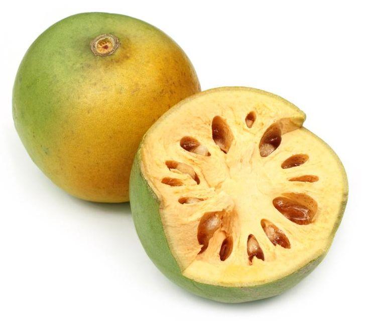 SOUND: http://www.ruspeach.com/en/news/10631/     Баиль - это экзотический фрукт, известный также как древесное яблоко. Это сладкий экзотический фрукт растет в Индии, Пакистане, Шри-Ланке. Баиль используется для приготовления целебного чая, который помогает бороться с простудой. Такж�