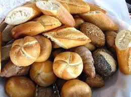 Die Zahl der Betriebe des Bäcker- und Fleischer Handwerks ist stark zurückgegangen.