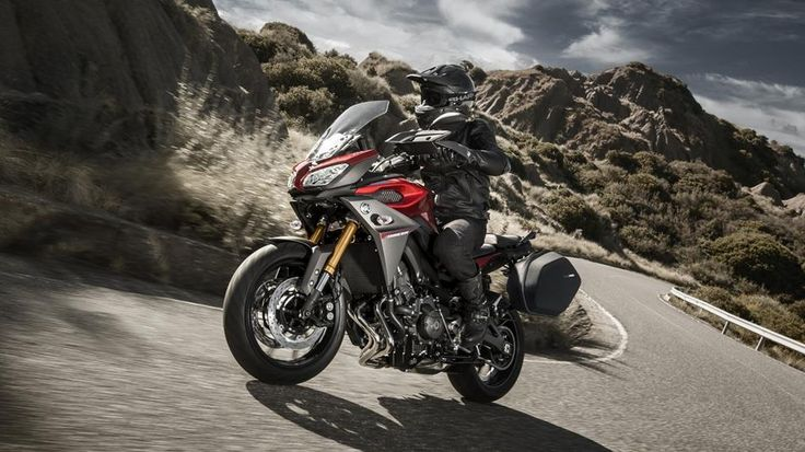 2016-Yamaha-MT09-Tracer-EU-Lava-Red-Action-003