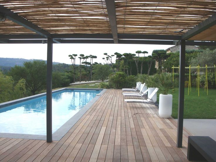 Pergola canisse bois piscine outdoor pinterest for Piscine exterieure bois