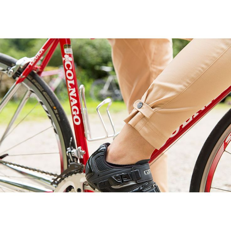 The Women's Vulpine Cotton Rain Trousers are fabulously detailed water resistant urban cycling trousers, styled specifically for women for both on and off the bike.