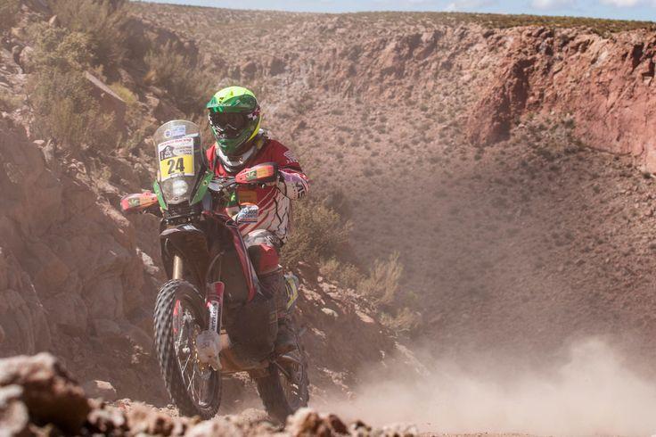 Cachi (ARG) –A etapa entre Calama, no Chile, e Cachi, na Argentina, do Dakar 2015 terminou nesta quarta-feira (14) com o melhor resultado de Jean Azevedo, da Honda South America Rally Team, na 37ª...