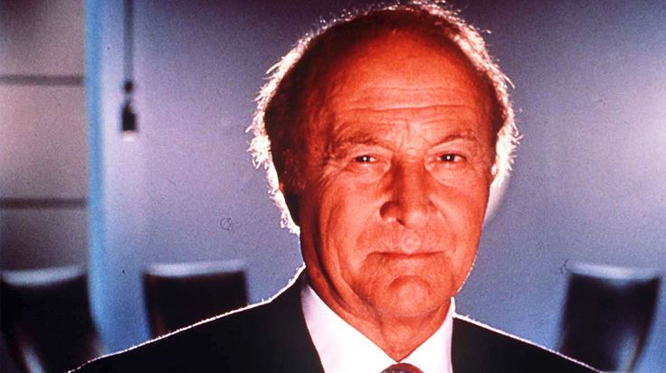 """Robert Loggia, a durable and versatile tough guy actor inmovies and TV shows including Brian De Palma's 1983 drama """"Scarface"""" and """"Big,"""" died Friday at his home in Los Angeles, his widow Audrey co..."""