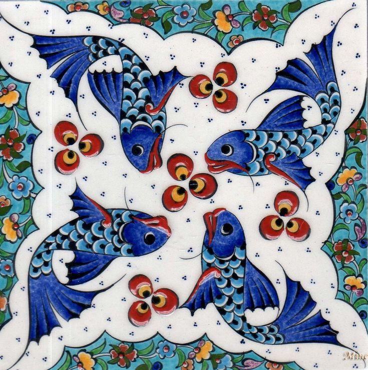 20cm-x-20cm-_Karo_K_053-cini_balik_deseneri_ceramic-fish-motifs-el-yapimi-handmade.jpg (1149×1155)