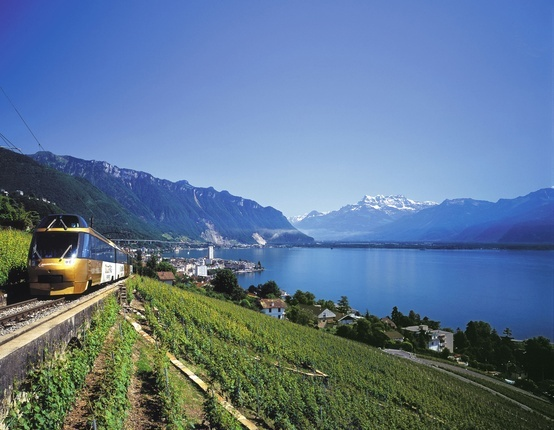 You can travel the entire Golden Pass scenic train journey with a #Eurail pass! For individuals, we recommend to make advance reservations, for groups seat reservations are compulsory.