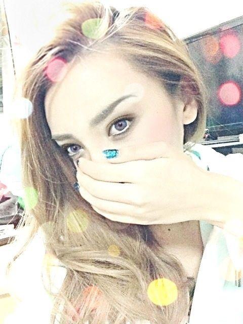 Miranda Kerr makeup tutorial by Zawachin