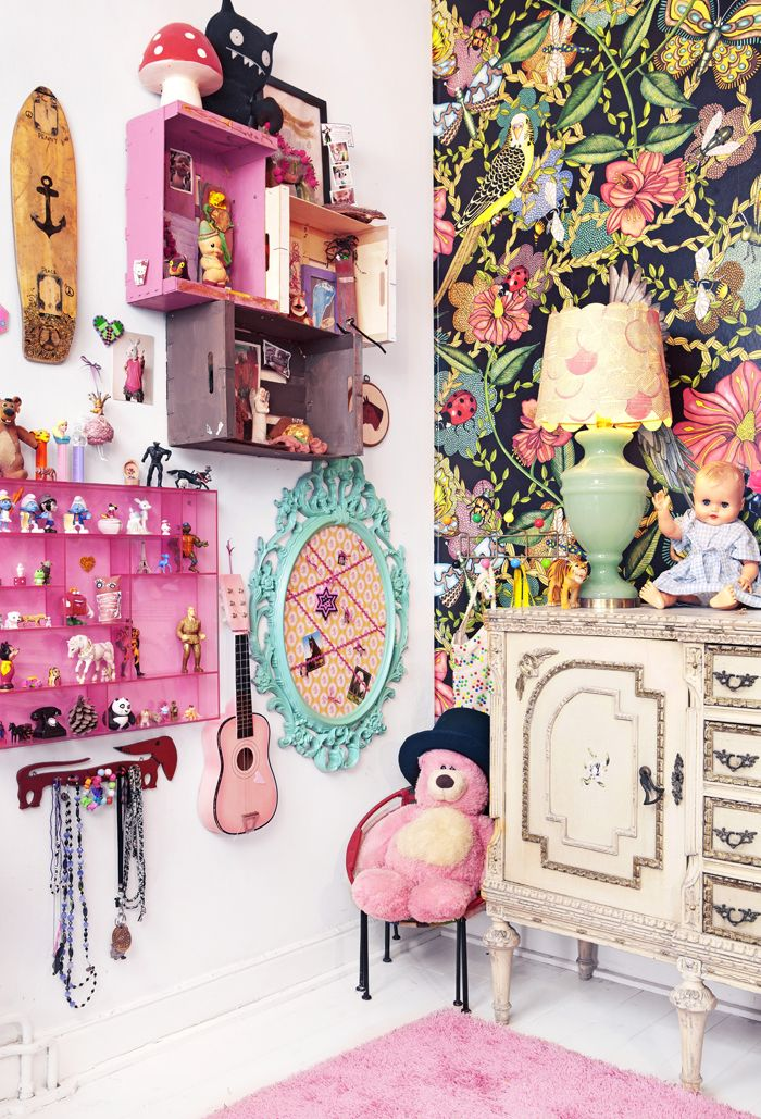What if i used boxes to build a doll house onto the wall of my daughter's room...brilliance