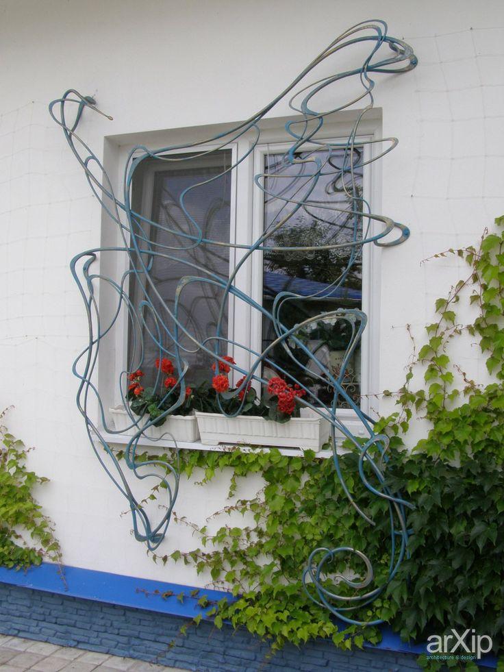 Кованные ограждения балкона , крыльца, террас и крешётки на окна.: ландшафтный дизайн, промышленный дизайн, ар нуво (фр. art nouveau), кованые изделия, современный стиль, приусадебный участок, владение, дачный участок, 10 - 20 соток #landscapedesign #industrialdesign #artnouveau #forgedproducts #modernstyle #farmland #possession #dacha #10_20acres arXip.com