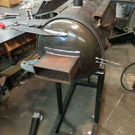Fox & Liberty 3 burner propane forge with forced air. heater door.