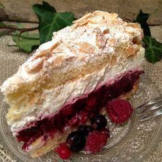 Rote Grütze- Baiser- Torte