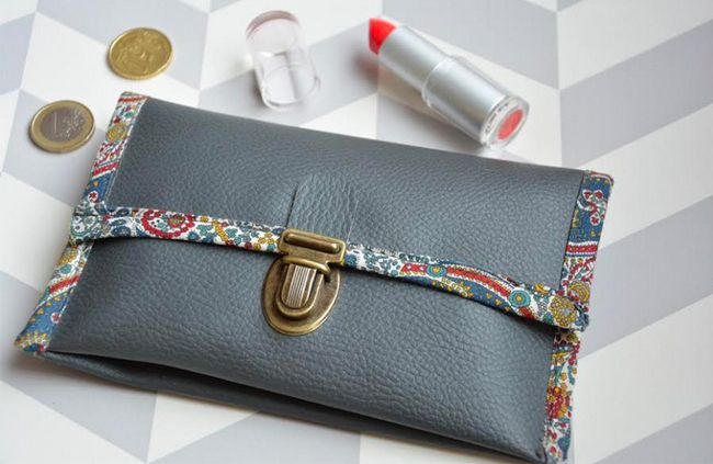 Je fabrique mon portefeuille en simili cuir