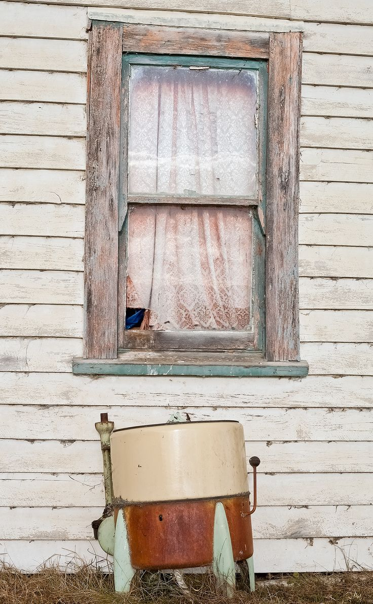Rural NZ. Laundry tub outside a shearer's cottage.