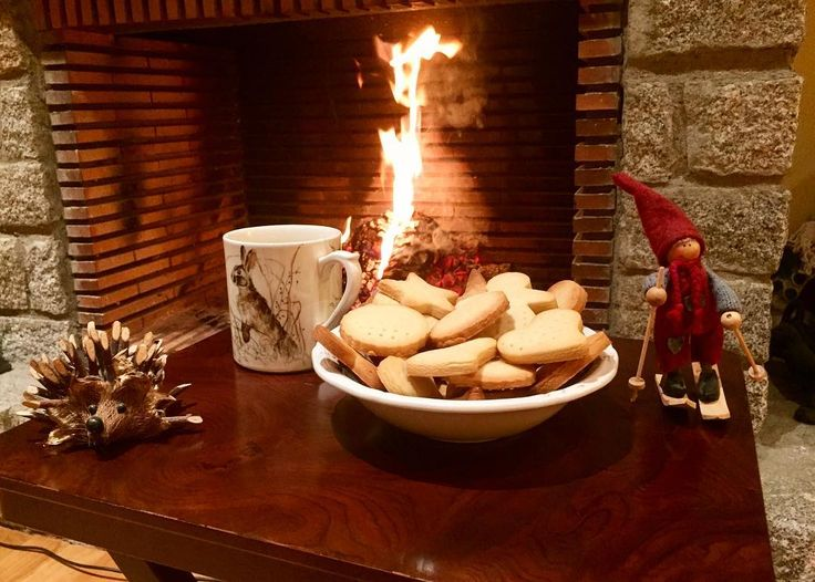 #today was #perfect to #cook #shortbread #cookies 😋😋 #snow #outside & #cold & #miuntains & #fire at #home ☺️❄️ #cerler  #homemade #delicious #sweet #biscuits #loveit #homesweethome #christmasmode