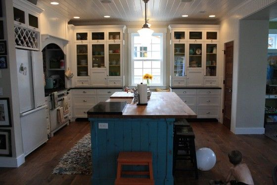 kitchen: Green Kitchen Cabinets, Fun Kitchen, Kitchens Dining, Farmhouse Kitchens, Dream Kitchens, White Kitchens