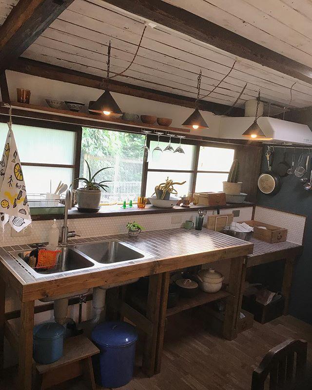 DIYしたキッチン。 ほんと可愛い♡ #かなこちゃんのキッチン - tikutikumeg (@tikutikumeg)