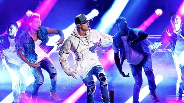 Vil du opptre med Justin Bieber i Telenor Arena? Når Justin Bieber i neste uke gjør to konserter i Telenor Arena, så har han med seg sin faste norske danser Mona Berntsen. Nå kan 8 barn og unge som elsker å danse få muligheten til å også stå på scenen med Justin og Mona foran 20.000 mennesker. Slik kan du kanskje bli valgt: Se videoen nedenfor i denne artikkelen eller i NettTV og lær deg koreografien til låten «Children»