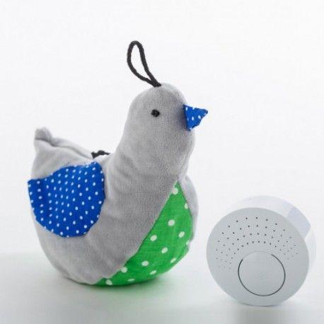 Kolejny szumiący ptawszek w naszej ofercie, tym razem w kolerze popilelowym:)  Szumiące urządzenie umieszczone w brzuszku ucisza dzidziusia, który spokojnie zasypia  Sprawdźcie sami:) Miłego Poniedziałku:)  http://www.niczchin.pl/przytulanki-dla-niemowlat/2104-whisbird-szumiacy-ptaszek-popiel.html  #whisbird #ptaszek #przytulanka #popiel #niczchin #zabawki #krakow