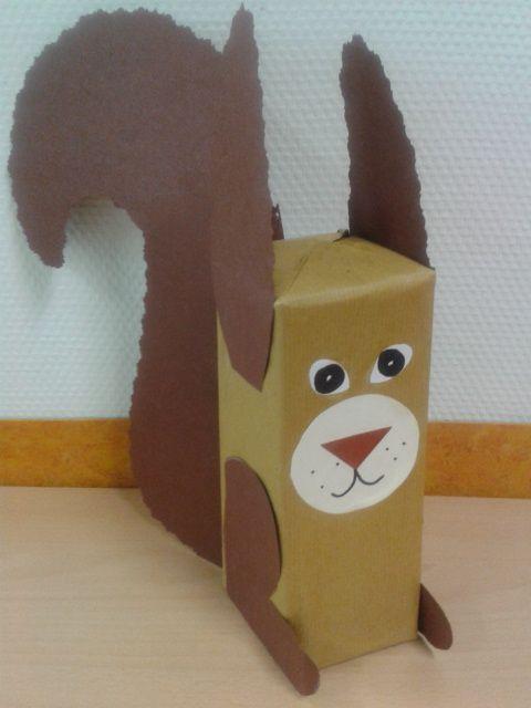 Eekhoorntje maken van een leeg melkpak