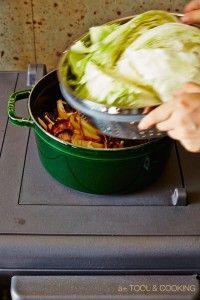 材料 干し野菜*1(人参、玉ねぎ、ゴボウなど) 干しきのこ(椎茸、舞茸、シメジなど) 里芋 レンコン しょうゆ 酒 水 塩 キャベツ *1 野菜を薄切りにし、天気の良い日にざるに広げて風通しの良い場所に4〜5時間干す。そ …