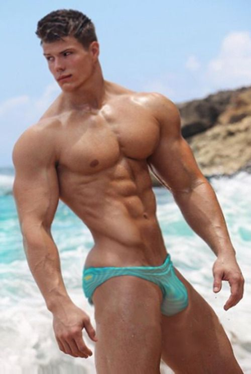 Brandon Guy With Muscle Toned Hunk Body