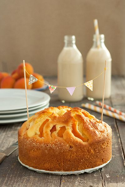 Apricot cake, perfect for summer!