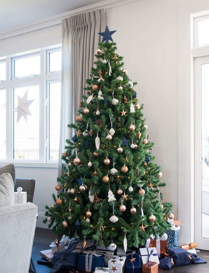 An inside look at the Festive Home Tour 2015 - Homes To Love