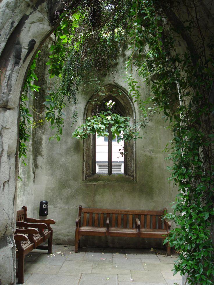 St. Dunstan-in-the-East Church Garden  London