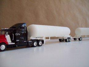 HO 1/87 LPG twin-axle tanker, trailer 15 in White Strong & Flexible