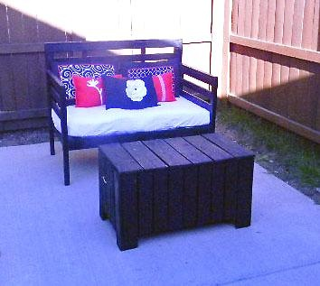 Cute diy loveseat! outdoor patio furniture diy
