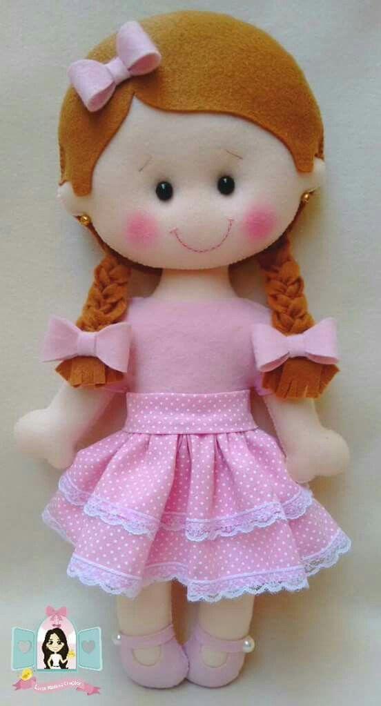 Muñeca de dubetina y fieltro