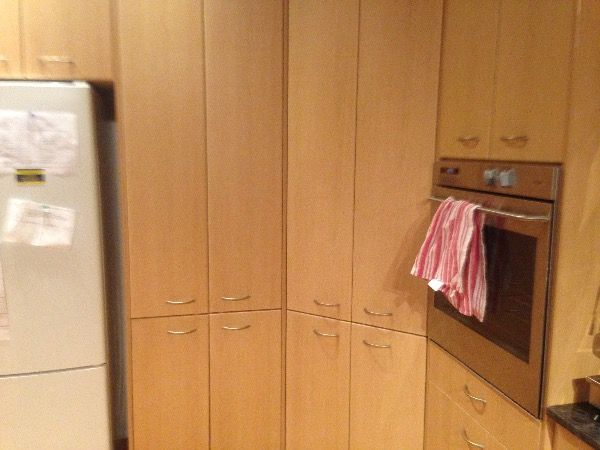 Sydney - Hornsby Freecycle - OFFER: Kitchen Cabinets with timber veneer doors (Gordon)