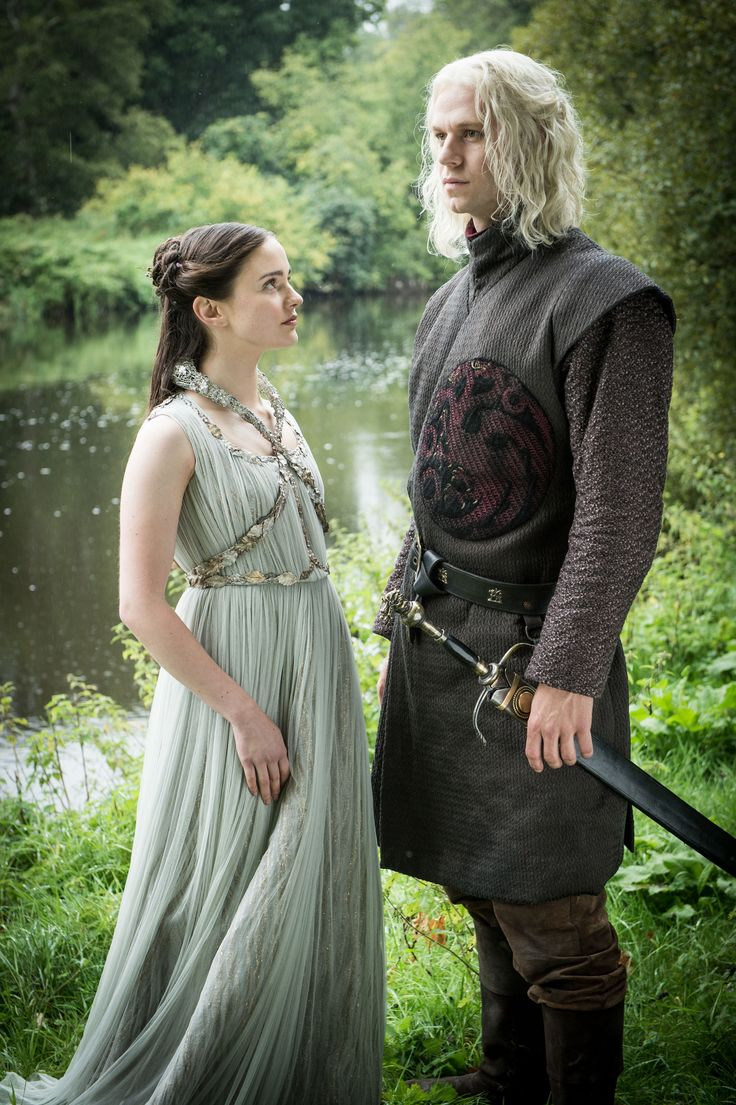 """Rhaegar loved his lady Lyanna and thousands dies for it.""-Barristan Selmy thoughts during chapter 67 of A Dance with Dragons.  ""Lyanna x Rhaegar Game of Thrones 7.7 final episode wedding"""
