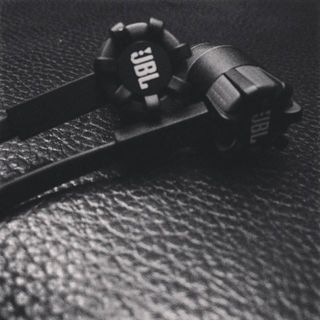 Synchros S100i | Quality In-Ear Headphones for Apple Devices | JBL US