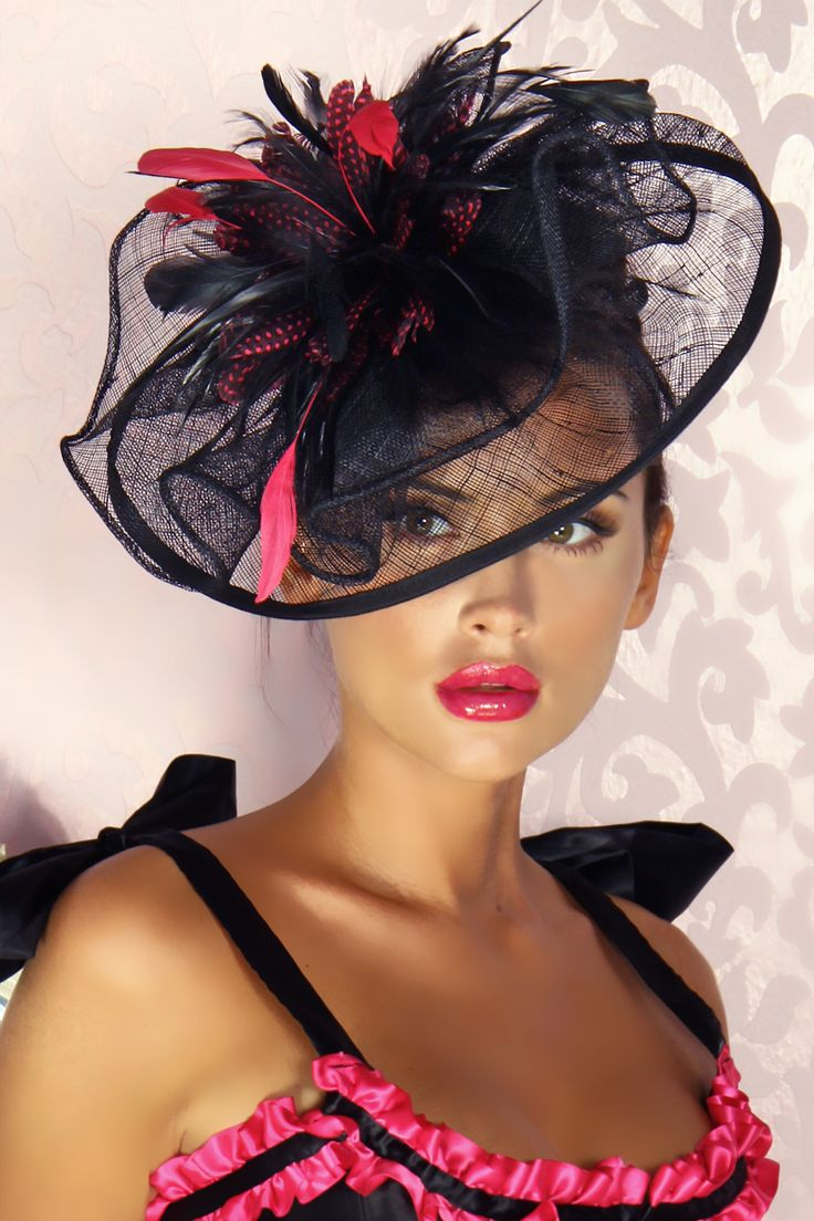 fascinator - in single layer of sinamay, gathered for look of fullness.