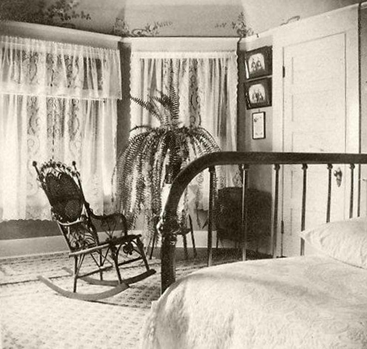 A Bedroom In Pasadena, Circa (Bizarre Los Angeles)