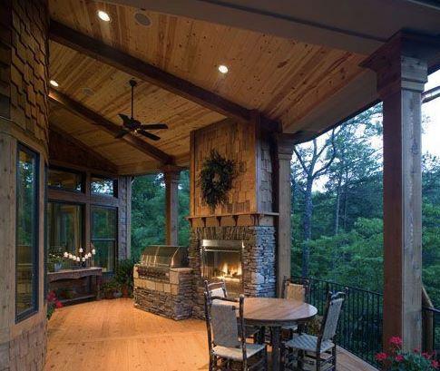 Gorgeous deck/porch/balcony