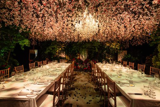 Another enchanting evening at Grand Hyatt Melbourne, celebrating the holidays under a spectacular floral canopy. #LivingGrand