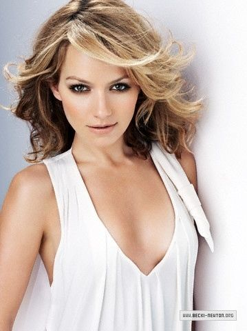 Becki Newton - Hanna Collins, talent manager at the label, surrogate aunt, +22 years