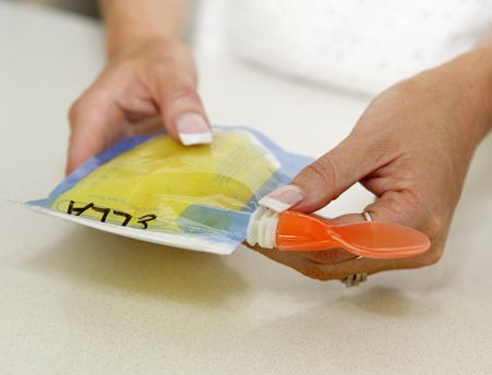The perfect match to our On the Go food pouches are these Colour Change Food Pouch Spoons.