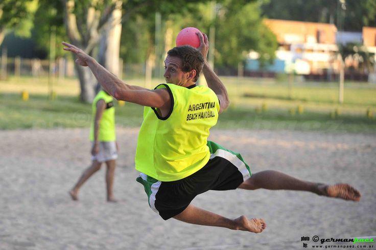 Entrenamiento seleccionado Argentino de beach handball.