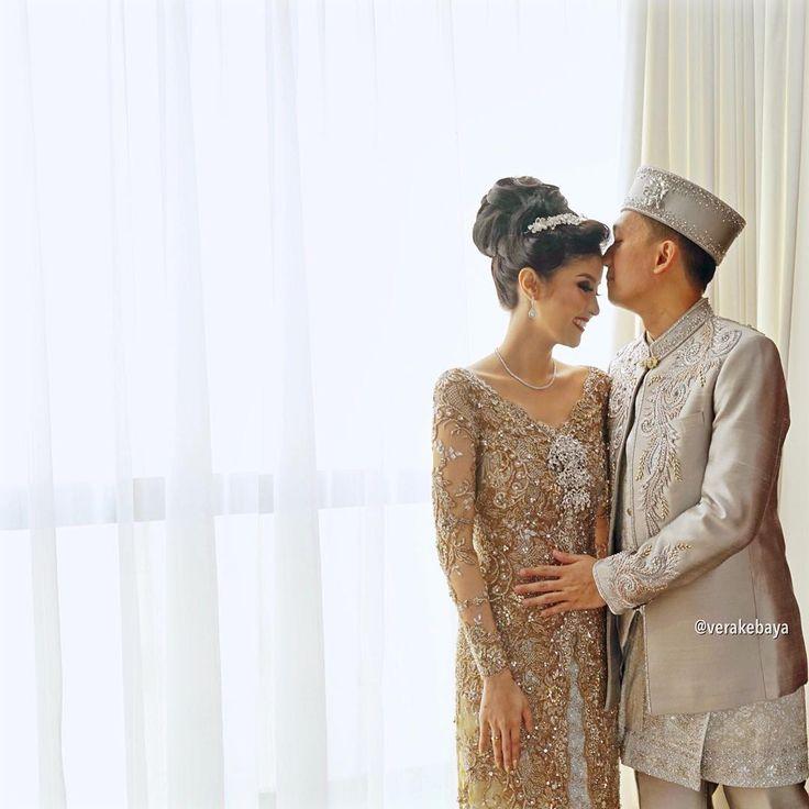 "Vera Anggraini on Instagram: ""@renandasonnia ... #weddingday #kebaya #wedding #fashionwedding #lace #pengantin #beskap ___ MUA : @petty_kaligis Hair do : @woko_s Dress & Beskap : @verakebaya ___"""