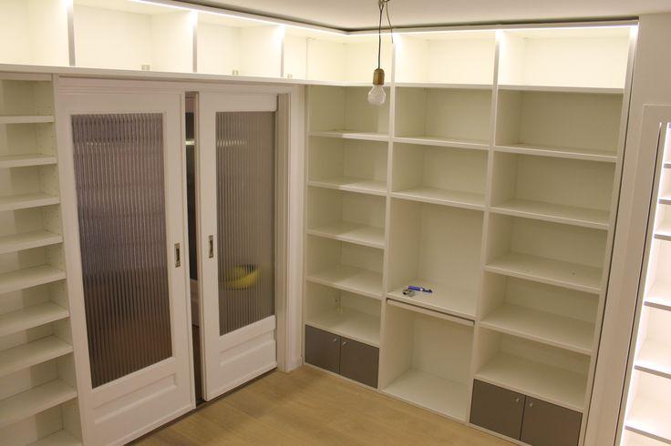 25 beste idee n over kantoorkast alleen op pinterest basis werkgarderobe leraar garderobe - Kantoor modulaire interieur ...