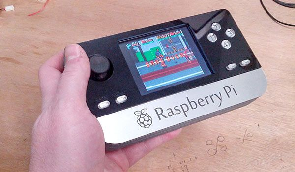 Raspberry Pi portable game console hack from Ben Heck