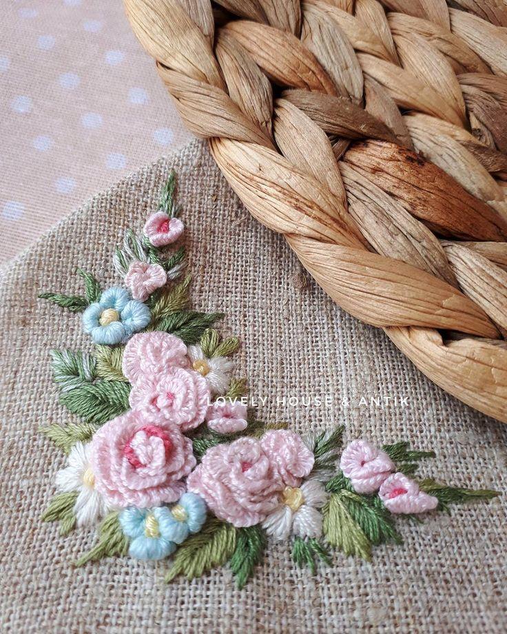 Прекрасного вам утра,друзья! #embroidery #embroideryart #embroideryartist #вышивка #bordado #handmade #рукоделие #broderie #needlepoint #provense #stitch #flowers #vintage #vintagedecor #shabbychic #antic #anticvariat #shabbychicdecor #handmade #ручнаяработа #красота #игольница #игольницаручнойработы #подарок #игла #рукоделие #розы #цветы