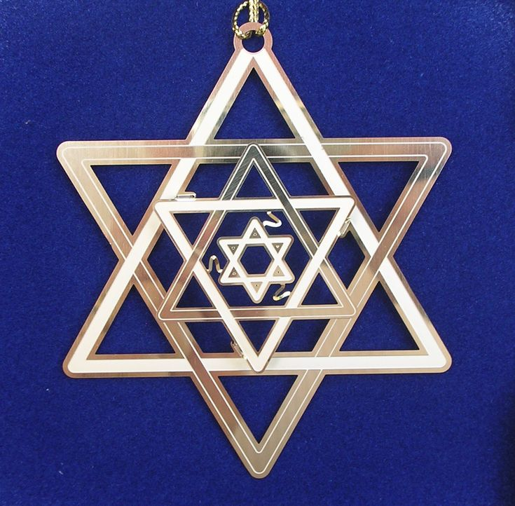 Star of David-the symbol of the main character and Bill White's secret and shared religion