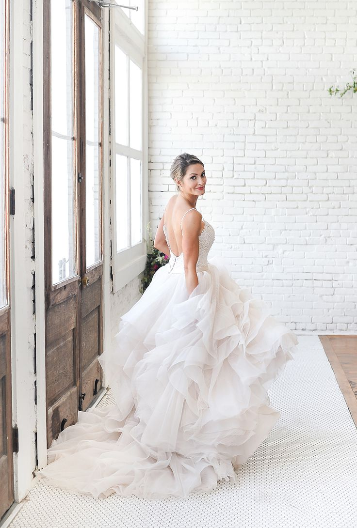 140 best wedding dresses images on Pinterest   Short wedding gowns ...