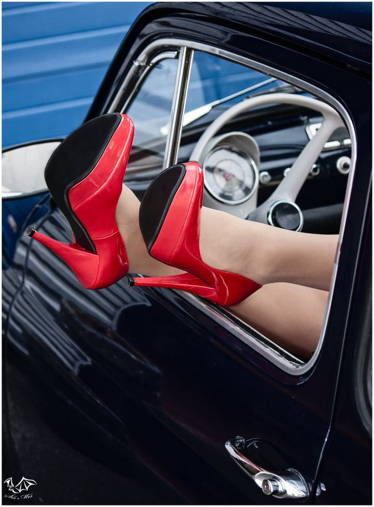 Fiat 500 and The Red shoes. Photography by SisMisBoy.  Classy.