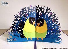 Pour les drôles d'oiseaux dont l'amour est éternel. Les inséparables, carte pop-up en papier, par tinu pop-up
