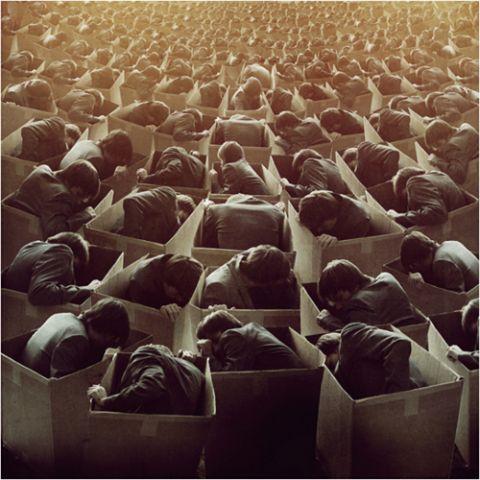 """""""O mundo deles é quadrado, eles moram em casas que parecem caixas, trabalham dentro de outras caixas, e para irem de uma caixa à outra, entram em caixas que andam. Eles vêem tudo separado, porque são o Povo das Caixas…""""  Frase de um pajé do povo Kaingang sobre o homem branco  http://www.antroposofy.com.br/forum/o-povo-das-caixas/"""