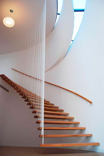 Conheça 10 escadas incríveis de tirar o fôlego de qualquer um